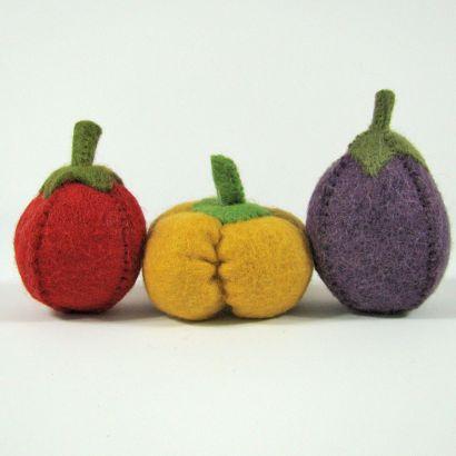 Lot de légumes en laine feutrée - Tomate, poivron et aubergine - Papoose Toys  - 1