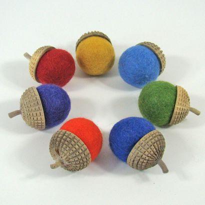 7 glands arc-en-ciel en feutre de laine - Papoose Toys  - 2