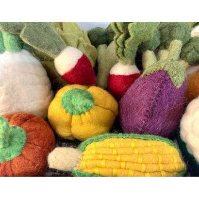 Lot de légumes en laine feutrée - Tomate, poivron et aubergine - Papoose Toys  - 3