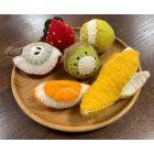 Fruits en laine feutrée - 6 quartiers de pomme - Papoose Toys  - 3