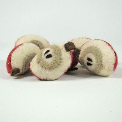 Fruits en laine feutrée - 6 quartiers de pomme - Papoose Toys  - 6