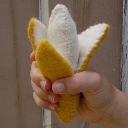 Fruits en laine feutrée - 2 bananes - Papoose Toys  - 6